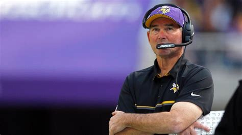 vikings couch minnesota vikings coach mike zimmer s explanation doesn t