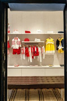 Boutique No 236 1000 images about clothes store deco on fendi visual merchandising and retail