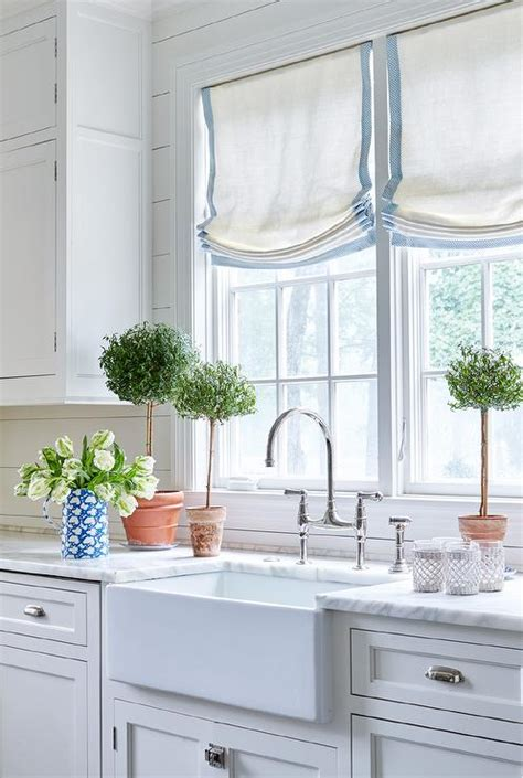 Shiplap Kitchen Backsplash White Kitchen Peninsula With Backless Blue Bistro Stools