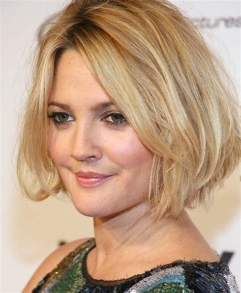 Medium Length Hair For Fat Faces | 50 most flattering hairstyles for round faces fave