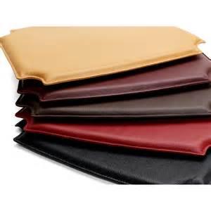 Leather cushion for the ch24 chair skandium
