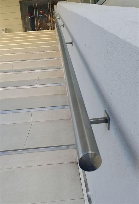 supporti per corrimano in legno tubo inox per corrimano e montante per balaustre bologna