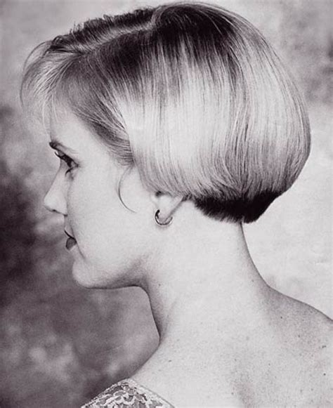 ear length bob hairstyle back view of cute short haircuts for women