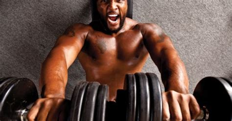 ray lewis dumbbell bench press work out pinterest