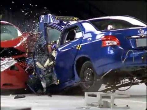 Toyota Camry Crash Test Rating Toyota Camry Vs Toyota Yaris Crash Test Compatibilit 224