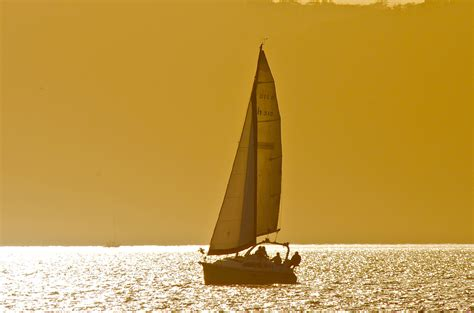 la crosse boat rental boating in la crosse wi explore la crosse
