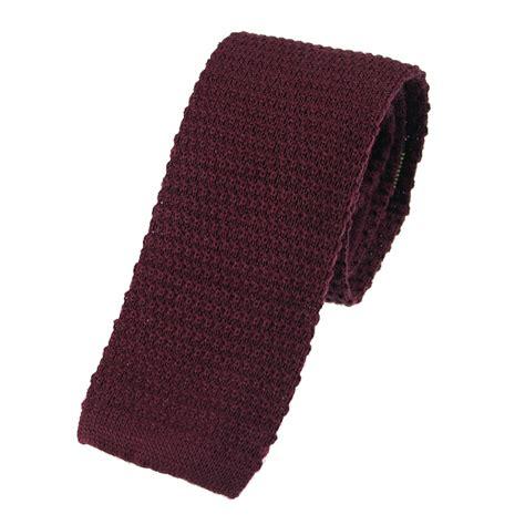 burgundy wool knitted tie extras