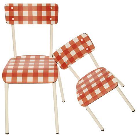 chaise design enfant chaise une chaise enfant r 233 tro design par