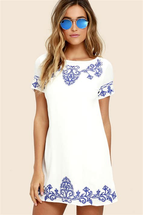 lulu s cute blue and ivory dress embroidered dress shift
