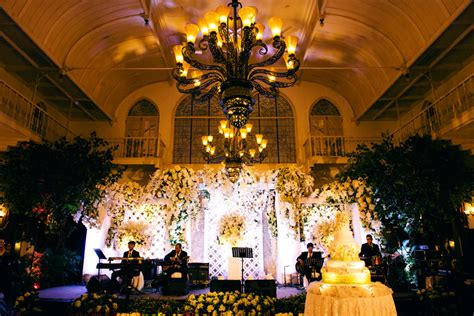 wedding hendra indah at grand wedding day hendra citra majapahit hotel surabaya