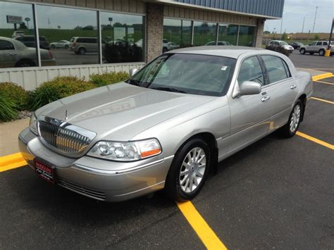 silver lincoln town car silver lincoln town car for sale used cars on buysellsearch