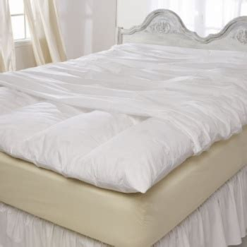 Grandmas Feather Bed by 25 Best Ideas About S Feather Bed On