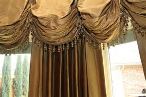 Kitchen Cabinet Valances traditional curtains