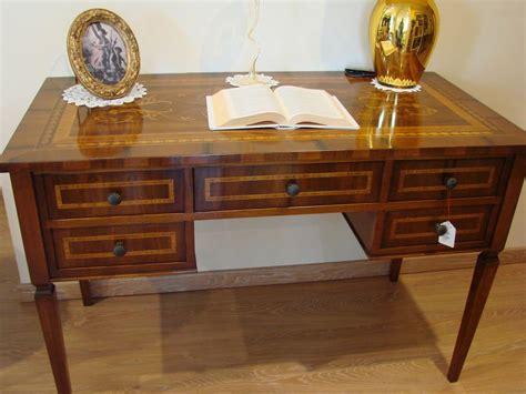 scrivania classica scrivania classica per lo studio scrivania classica per