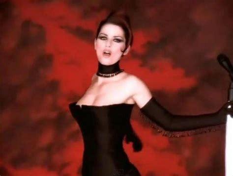 Britneys Crowbar Umbrella by 50 Seksualiausių Vaizdo Klipų Ar Sutinkate Su