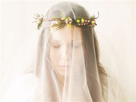 Wedding Hair Accessories In Singapore by 20 Gorgeous Bridal Hair Accessories You Ll Articles