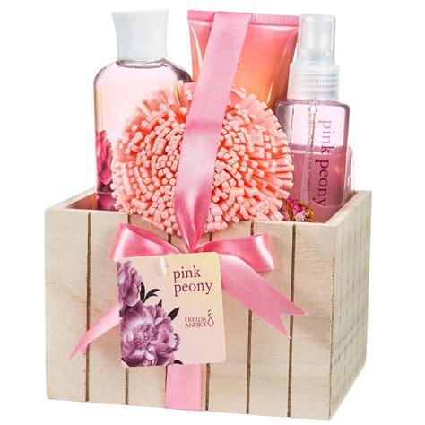 Gift Set pomegranate bath spa gift set in velvet