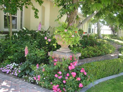 Yard Trellis Ideas Cottage Garden Landscape Design Photos