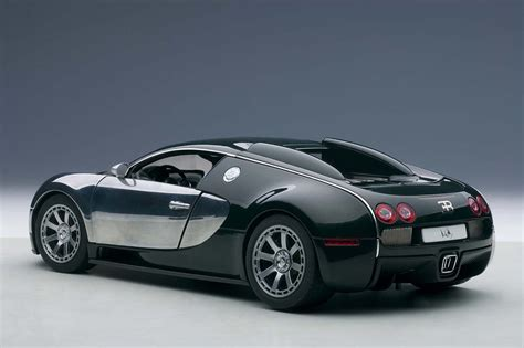 Chrome Bugatti Veyron by Highly Detailed Autoart Die Cast Model Green Chrome