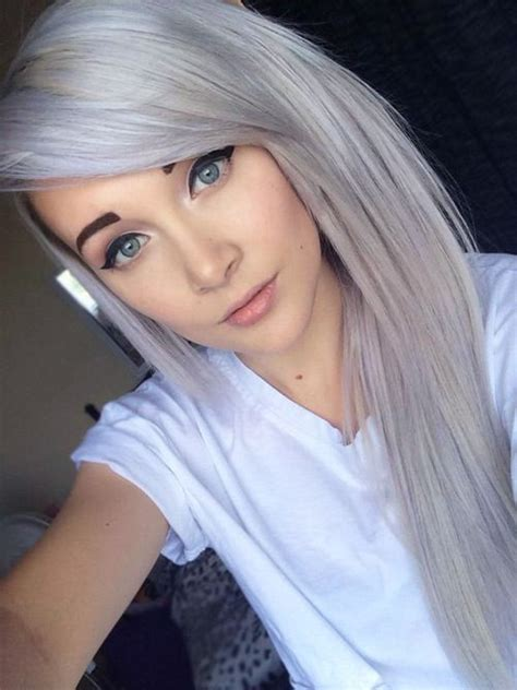 2015 hair color trends silver gray hair would totally do gray highlights if possible