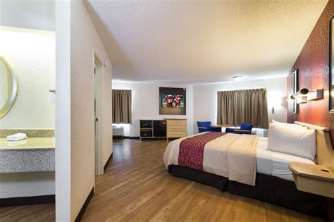 hotels with in room houston roof inn houston westchase reviews photos rates ebookers