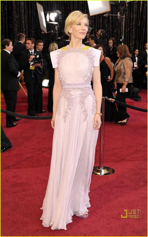 Oscars Carpet Cate Blanchett by Cate Blanchett Oscars 2011 Carpet Photo 2523655