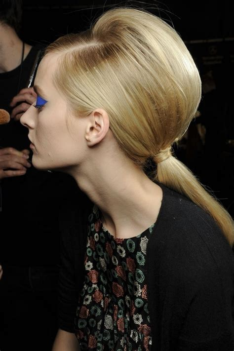 can mature women wear hair in pony tail bombshell bump 11 ways to wear a ponytail so you can look