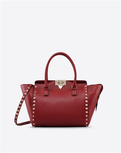 Bag Valentino Selempang Stud 2962 s fwb00540 abol03 s01 valentino garavani valentino boutique us