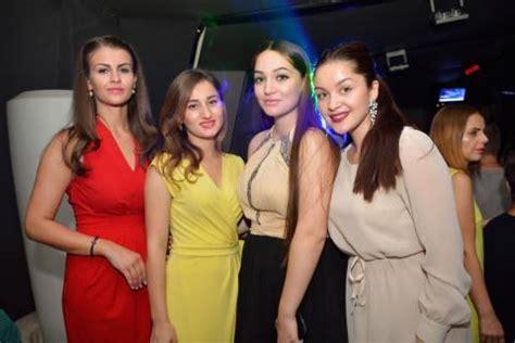 donne rumene a letto ragazze modelle festa in per il compleanno 2015 di