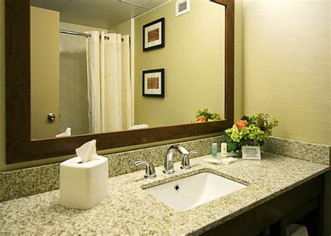 comfort inn westport comfort inn st louis westport 67 8 9 updated