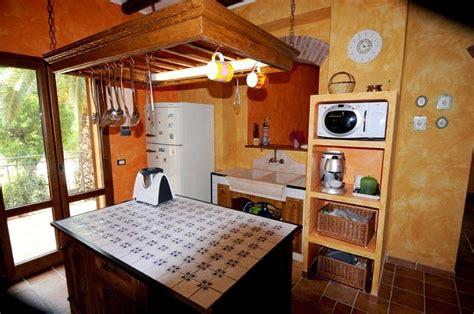 interni di rustiche cucine in muratura rustiche e moderne foto design mag