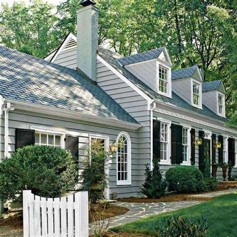 Light Gray Is The Traditional Color Of Cape Cod Style Best 25 Cape Cod Exterior Ideas On Cape Cod