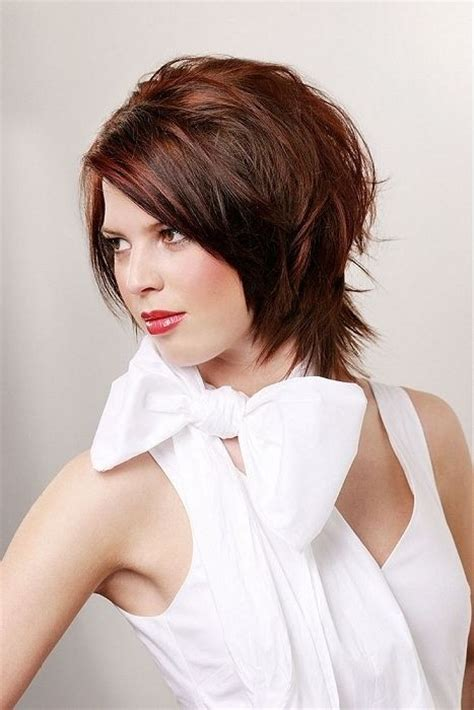 short cuts that slims a roundface for women over 50 26 best short haircuts for long face popular haircuts