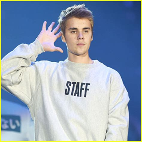 Justin Beiber Stops by Justin Bieber Breaking News And Photos Just Jared Jr