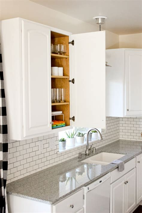 best paint to use on kitchen cabinets kitchen renovation series painting our kitchen cabinets