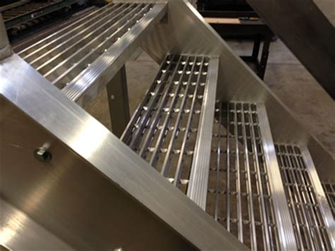 Landing Handrail Height Welded Aluminum Prefab Stairways Galvanized Stairs