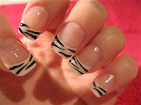 simple zebra nail art sephorafashion