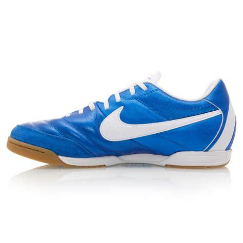 Sepatu Futsal Nike Tiempo Iv nike tiempo iv ltr ic mens leather indoor soccer shoes blue white sportitude