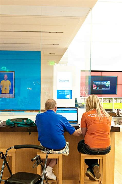microsoft answer desk hours microsoft stores what you need to 100 giveaway