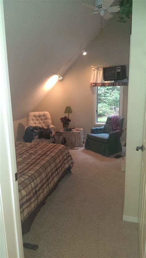 girls room that have a office up stairs up stairs both bedroom upstairs have cable tv and a closet todd stuart noordyk