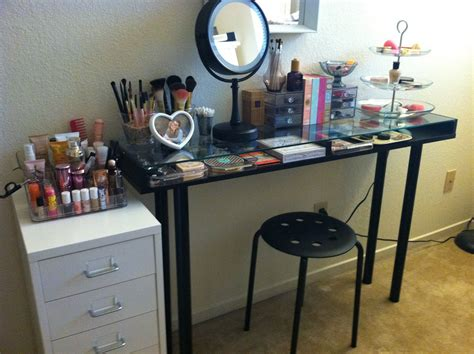 diy makeup organizer with catchy look