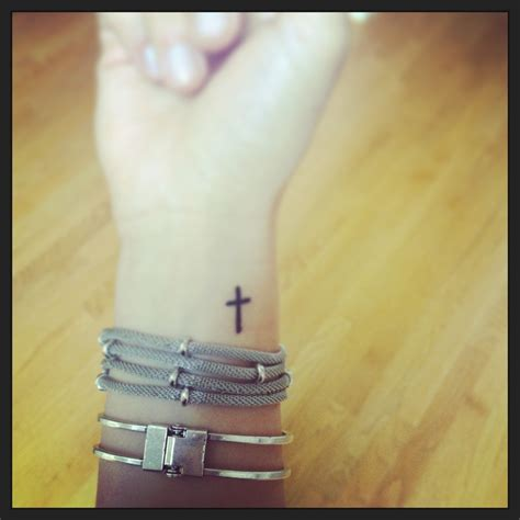 tattoo cross on wrist cross tattoo wrist wordy pleasures pinterest