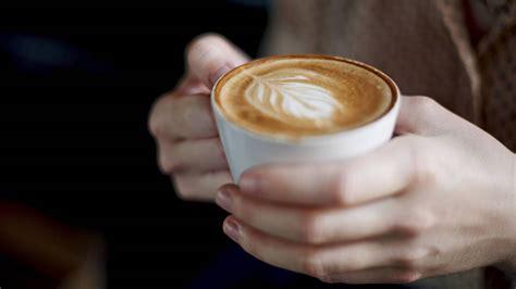 imagenes de varias tazas de cafe trucos c 243 mo coger la taza de caf 233 sin que parezca que no