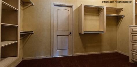 Wie Baut Einen Begehbaren Kleiderschrank 290 by Wie Mann Ein Begehbaren Kleiderschrank Baut S Houseblog