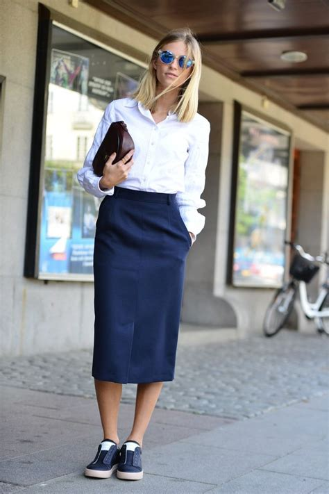 middy skirt with tennis shoes style midi