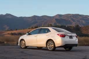 Quarter Toyota 2017 Toyota Corolla Eco Rear Three Quarter Motor Trend