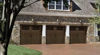 Amarr Overhead Doors The Carriage House Style Garage Door Continues To Increase In Popularity Amarr 174 Garage Doors
