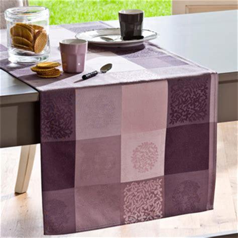 tovaglie per tavoli rotondi come scegliere i tessili per il tavolo tovaglie runner e