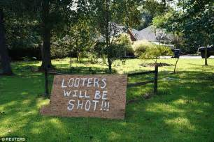 Garage Sales Orange Tx by Houston Homeowners Threaten To Shoot Looters Daily Mail