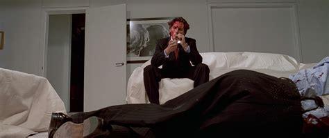 american psycho bedroom scene cr 237 tica de la pel 237 cula american psycho perros de caza